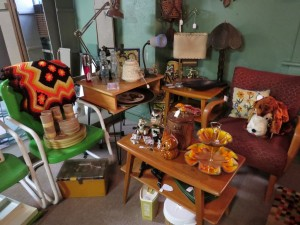 More Heywood Wakefield, lamps, odds and ends!